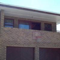 STELLENRIDGE : 6 BEDROOM HOUSE