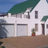 Fully furnished 4 bedroom holiday home to rent in club mykonos, langebaan, western cape