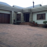 Entertainers dream house in Golfsig, Middelburg - Price slightly negotiable