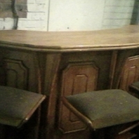solid walnut bar counter with 5 chairs