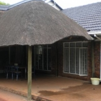 LARGE HOME FOR SALE IN WIERDAPARK - R 1.75 m negotiable.