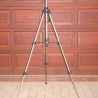 Camera tripod with 3-way pan head