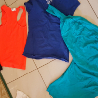 Selling Clothes For Ladies.
