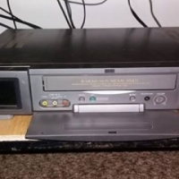 Vhs/video casette player with remote.