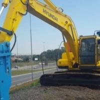 Excavators Hyundai Raubexx 210 LC-7H with Hammer and Bucket