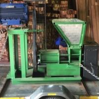 Briquette maker machine