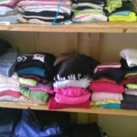 Hie there I pay  cash for  second hand  c clothes for man woman kiddies and  bedding