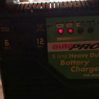 Battery charger AutoPro 12 & 6 Volt 8Amp with heavy duty charge en trickle charger
