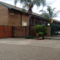 1 Bedroom Flat in Rietfontein, semi furnished