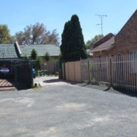 Single storey residential home, PLUS flatlet, boksburg north