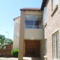 2Bedroom 2Bathroom, 2Living Areas, Equestria Estate