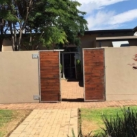 Grootfontein Country Estate, 2 X Houses on 1ha land for sale