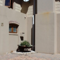 GORGEOUS 3 BEDROOM HOUSE IN GOLF ESTATE TO RENT