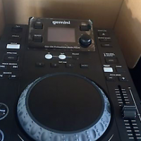 Basically Brand New 2x Gemini CDJ-300 USB/ CD Table top media players for sale...