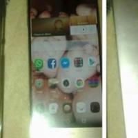 Huawei mate 7 met screen protector ( 7maande )
