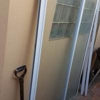 Shower Door in good condition