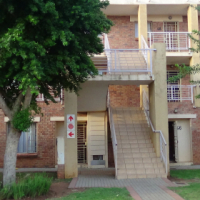 2 Bedroom Townhouse in Security Complex - R 550 000