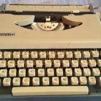 Antares portable typewriter, serviced