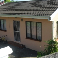 SECURE SELF CONTAINED GRANNY COTTAGE AVAILABLE IMMEDIATELY
