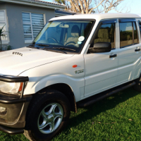 IMMACULATE 2013 Mahindra Scorpio 2.2 M-hawk Diesel  D-cab (ONLY 103 000km)