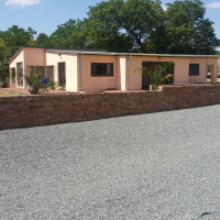 House to rent on Sharing Plot/Small Holdings