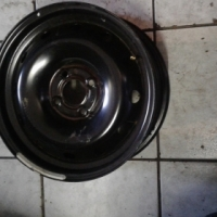 Np200 stardard Rims /steal rims size 15