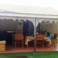 Garden flat to rent 2km from the Wally Hayward starting point