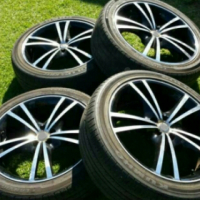 18 inch Mag wheels and tyres
