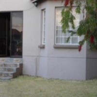 EDENVALE 1bedroomed with bath, kitchen and lounge Rental R4100​ bath, kitchen, lounge, townhouse