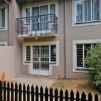 Rembrandt Park 1bedroomed 1st floor unit R4000​ bath, kitchen, lounge, townhouse