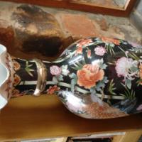Stunning large Chinese Vase