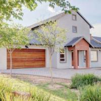 4 Bedroom House in Mooikloof Glen