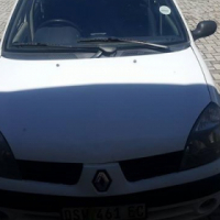 Renault Clio 1,4 litres.