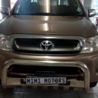 Toyota Hilux 2.7 2011 Model