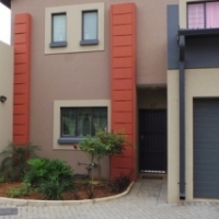 Megan Lee No 30, 3 bedroom unit, 2 Bathroom, Garden with patio and braai