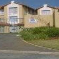 Bassonia Property - Upmarket townhouse
