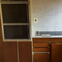 KITCHEN CUPBOARDS WITH DEFY OVEN AND GLASS TOP HOB
