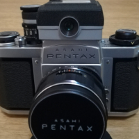 Asahi Pentax SV 35mm camera with Slide copier and Bellows II + Color finder