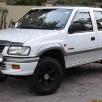 Isuzu Frontier 3.2 V6 4x2 clean car