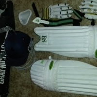 "Cricket Kit ""Bargain"""