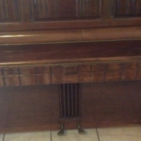 Knights Upright Piano. 1928 antique in excellent condition.