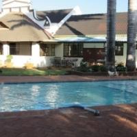 10 Bedroom house with 6 Bathrooms pool in 7.6 HA  Farm