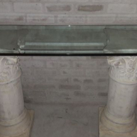 2 pillar with glass top.