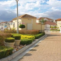 Vredekloof Square 3 bedroom apartment to Rent Brackenfell