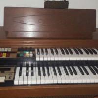 Lowrey Venus with Genie Organ