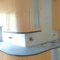 kitchen-Maple Veneer kitchen in Excellent Condition !!