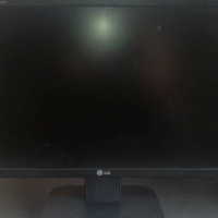 "For sale: LG flat screen monitor 25"""