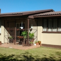 A very neat, tidy and welcoming warm home in Sasolburg