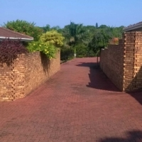 PERFECT TOWNHOUSE - UVONGO