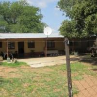 59 HA farm on Bloubank (Beestekraal) with 2 Houses